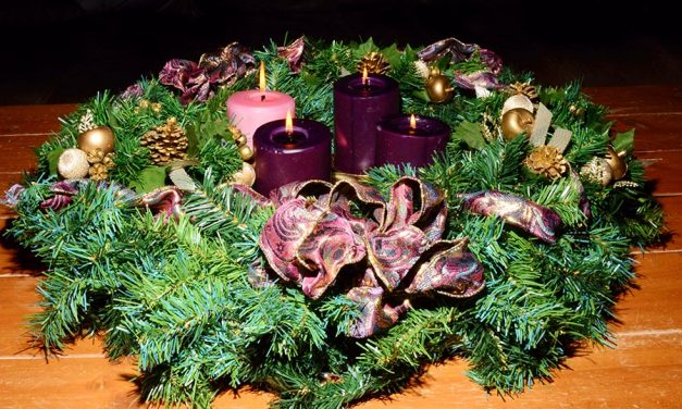 Six Simple Ways to Safeguard Your Advent from Secularism